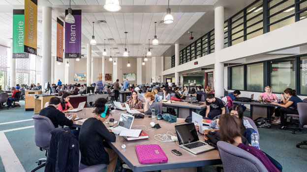 The_Learning_Commons_in_Mills_Memorial_Library_at_McMaster_University